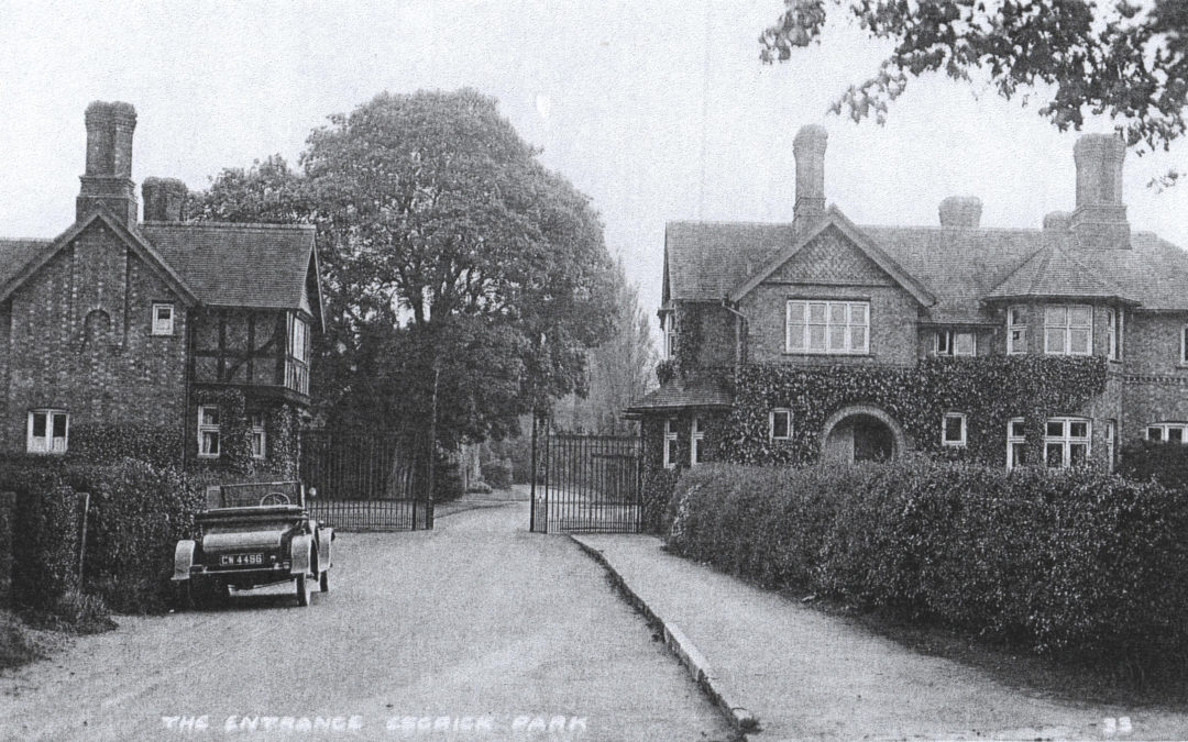 Entrance Gates to Escrick Park – Motorcar CW 4486 type unknown