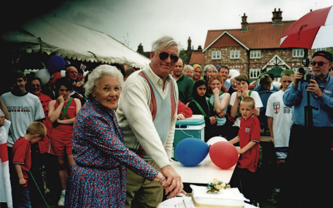 Royal Golden Jubilee celebrations at Escrick, 2002 – Peggy Brown & John Skilbeck cutting cake