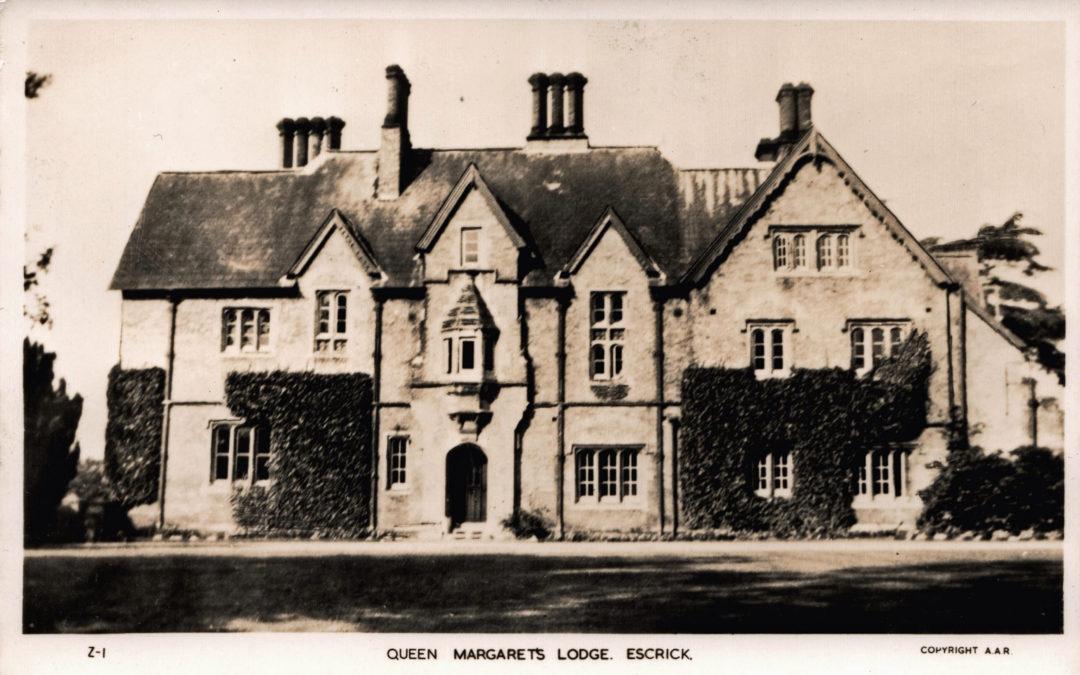 Postcard of Queen Margaret's Lodge
