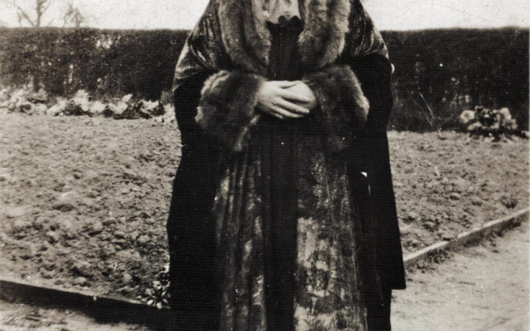 Forbes Adam Drama Group – Elizabeth Tomlinson as the Judge in Piere Patelin – 1928